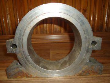 Корпус подшипника дробилки АВМ (разборный) — цена 6.000 руб.